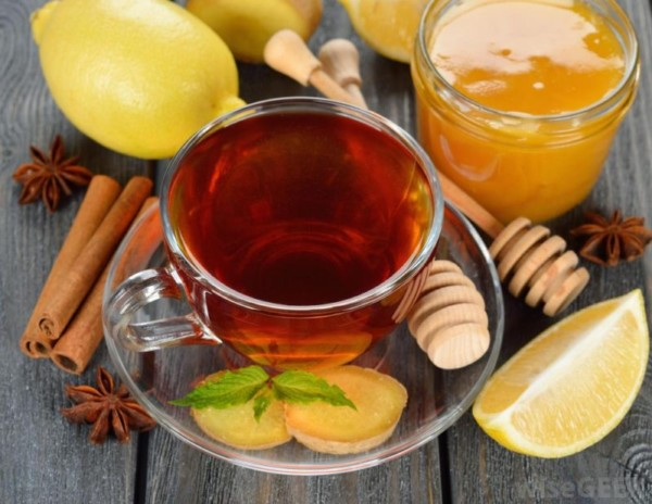 Чай с лимоном, с медом и имбирем