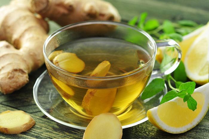 Имбирь с зеленым чаем и лимоном