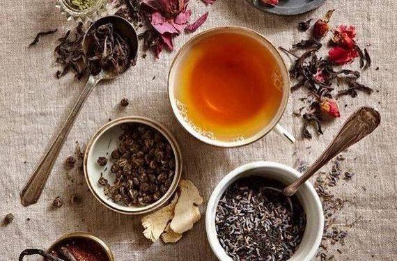 Как отстирать чай с одежды, мебели, скатерти и других вещей