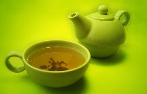 Можно ли зеленый чай кормящей маме: правила употребления