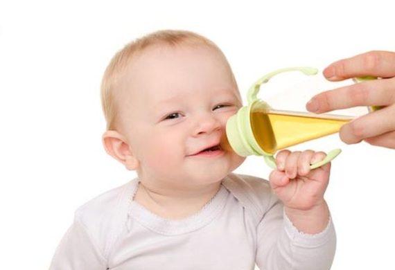 Со скольки месяцев можно давать чай ребенку