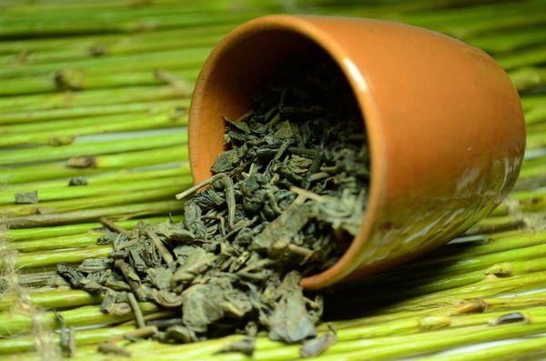 Зеленый чай, можно ли пить на ночь, полезные свойства чая
