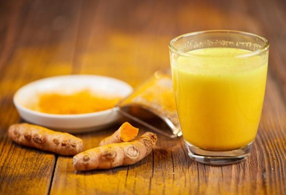 Золотое молоко из куркумы — секреты приготовления, применение