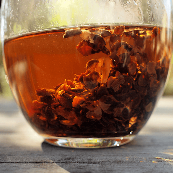 Настойка грецкого ореха – полезные свойства и применение