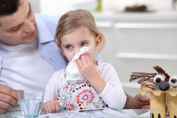 Народные средства от насморка для взрослых и детей, применение
